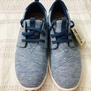 TOMS women's shoes size 8 blue